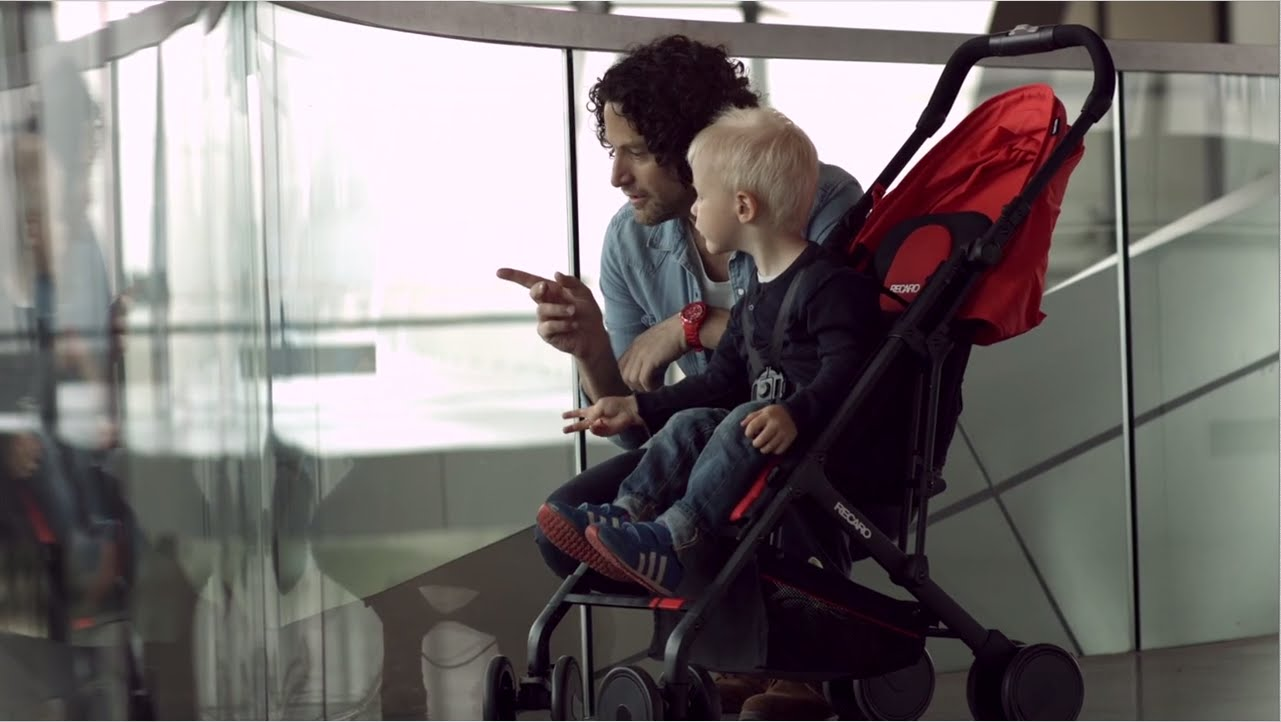 Выбираем коляску: особенности трехколесного детского «транспорта»